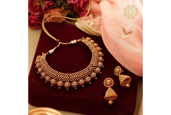 NECKLACE & EARRING